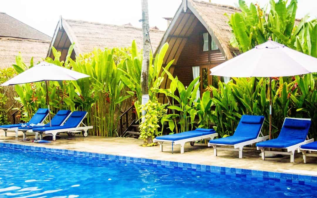Gili Air Accommodation: Turtle Beach Hotel & Restaurant