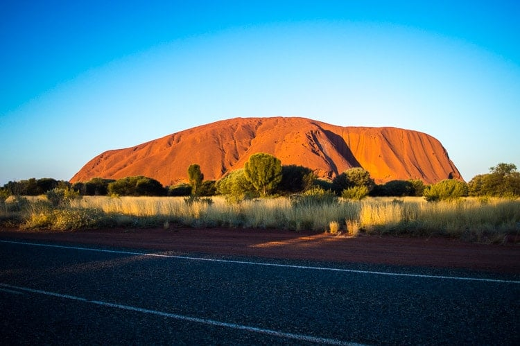 Alice Springs to Ayers Rock (Uluru)