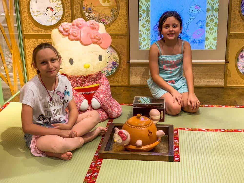 Hello Kitty Land - Tokyo with kids