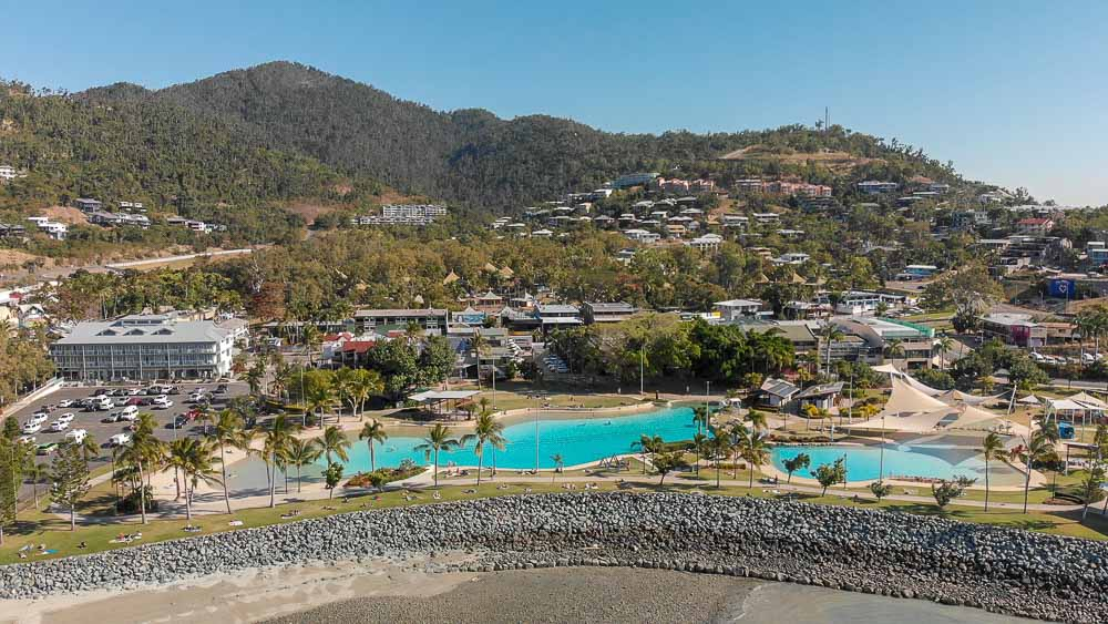 Cheap family accommodation Airlie Beach