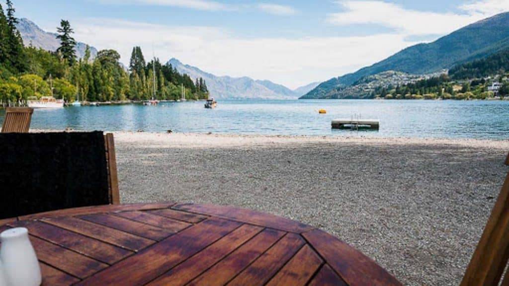 Queenstown Bay Beach: Family things to do in Queenstown